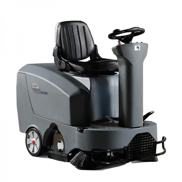 Вакуумная подметально-уборочная машина с местом для оператора GAOMEI GM-Minis